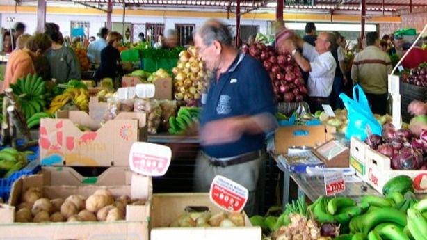 Los agricultores claman contra la caída en ventas: 'Si dura mucho que Dios nos ayude'