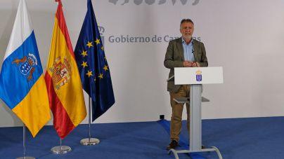 Canarias recibe material sanitario del Ministerio de Sanidad y obtenido por el Gobierno de Canarias