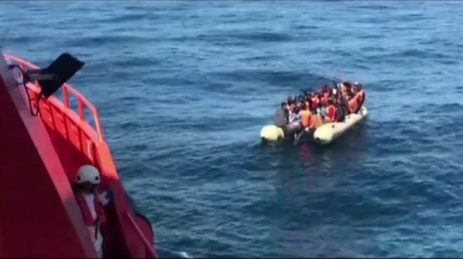 Localizan una patera con unos 33 migrantes al sur de Gran Canaria