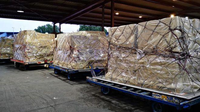 Llegan dos nuevos cargamentos adquiridos directamente por el Gobierno de Canarias