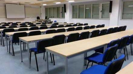 Las universidades públicas canarias afrontan que no habrá más clases presenciales