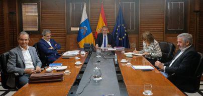 Alcanzado el pico en Canarias se avanza al levantamiento 'escalonado' del confinamiento en abril