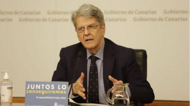 Pérez admite que el virus en Canarias se 'estabiliza' pero avisa de que no se saldrá a la calle 'en pocos días'