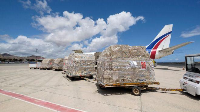 Llega un nuevo cargamento con material sanitario adquirido por el Gobierno de Canarias