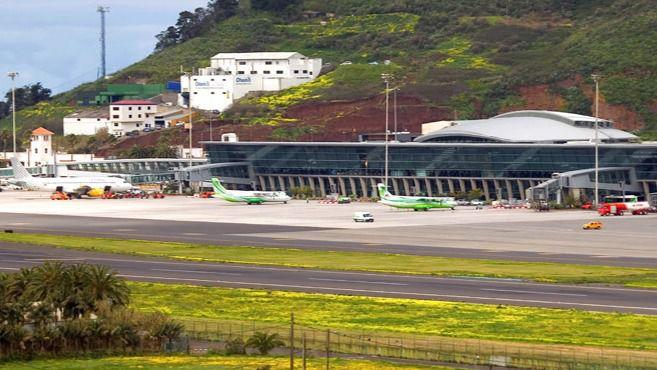 El Gobierno de España deja fuera a los aeropuertos de Tenerife para vuelos internacionales