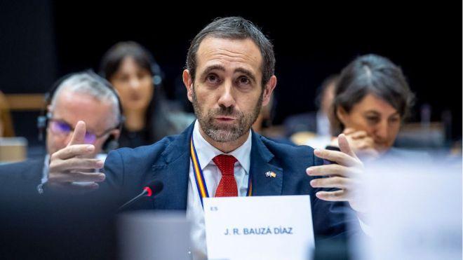 Bauzá denuncia que España se verá relegada como destino turístico en verano por la inactividad del Gobierno de Sánchez