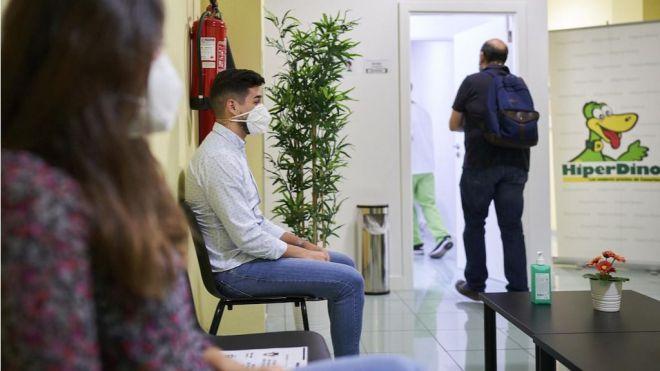 HiperDino realiza test de la Covid-19 a sus 8.000 empleados
