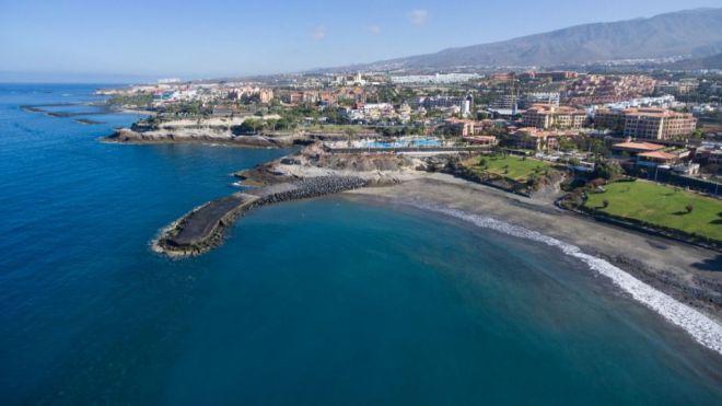 Adeje abrirá las playas de forma escalonada a lo largo de esta semana