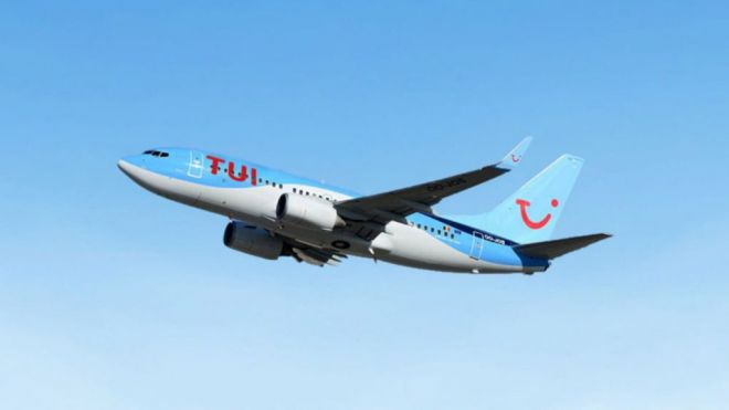TUI se prepara para enviar turistas a Canarias este verano