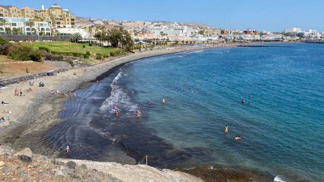 Adeje reabre el 90% de sus playas al público