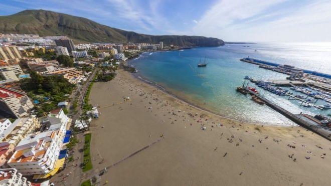 Creación de un bono turístico canario dirigido a los residentes para impulsar el sector
