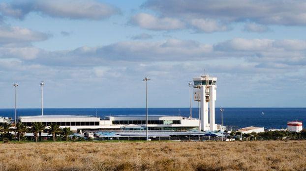 Todos los pasajeros del vuelo Madrid-Lanzarote dan negativo, incluyendo al viajero inicial