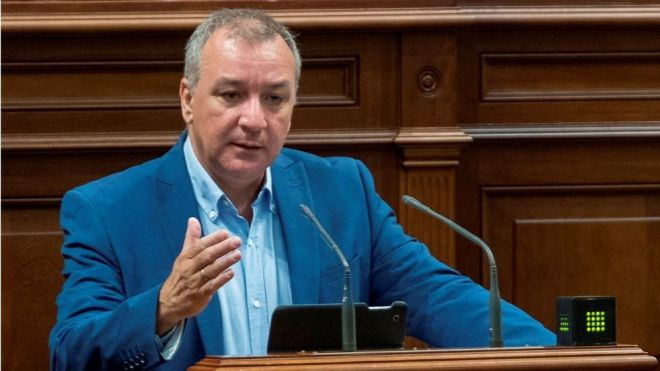 """Campos cree que la prueba de detección del coronavirus a los turistas es """"irrenunciable"""" para Canarias"""