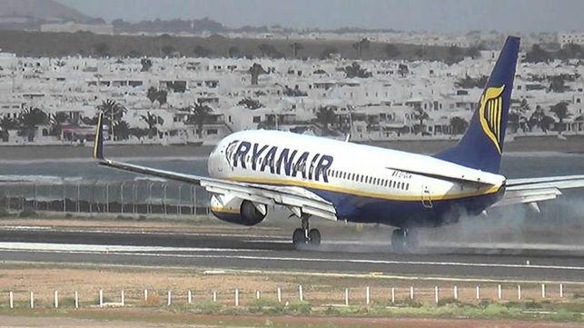 Lanzarote recibe el primer vuelo internacional tras la reapertura de fronteras al 21 de junio
