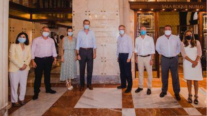 Los Reyes de España tienen un encuentro con todos los representantes del sector en el Hotel Santa Catalina