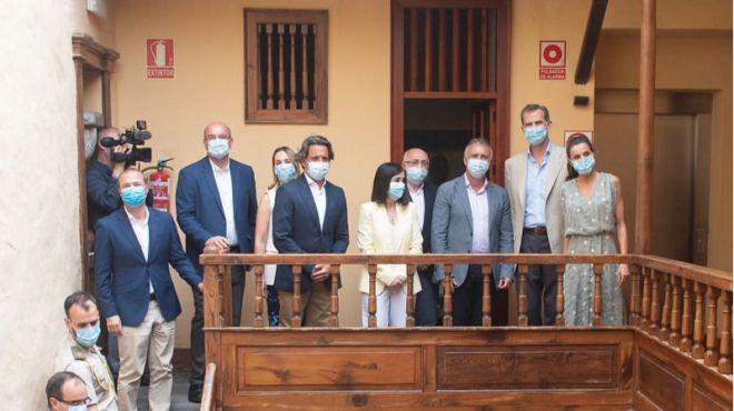 Los Reyes recorren la casa natal de Pérez Galdós en el centario de su muerte