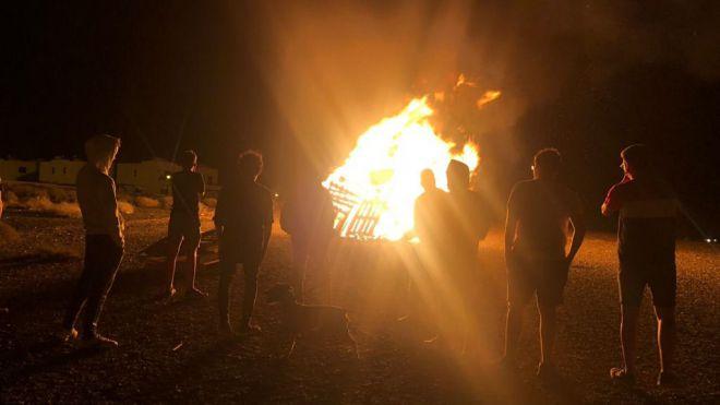 Yaiza celebra su Noche de San Juan con 175 hogueras