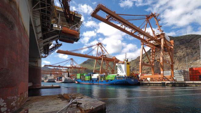 El tráfico total de Puertos de Tenerife descendió un ocho por ciento hasta el mes de mayo