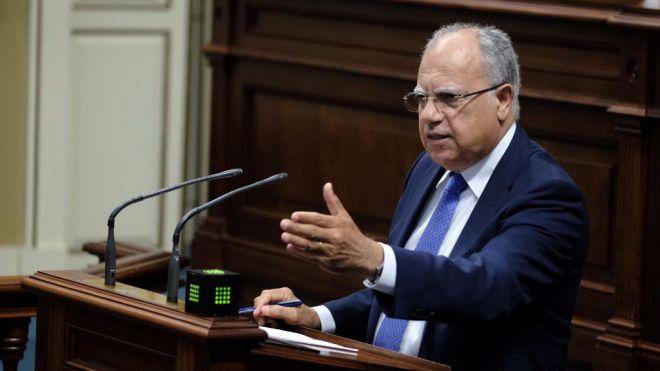 Curbelo urge al Estado a celebrar la reunión bilateral con los cabildos para garantizar la financiación
