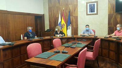Cabildo, Ayuntamiento y empresarios coordinarán mejoras en la avenida Marítima