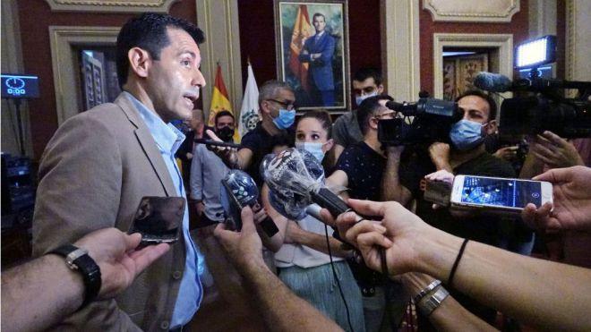 """CC: """"La Ley obliga a Hernández a garantizar que nada perturbe la moción de censura"""""""