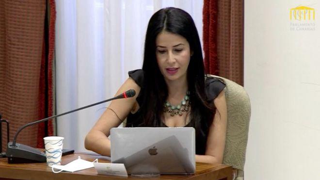 Mendoza destaca el papel que ejerce la ZEC en la diversificación económica de las Islas