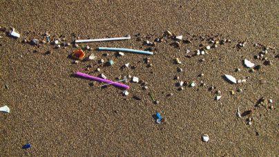 Una herramienta de la ULPGC para contar y clasificar los microplásticos de las playas
