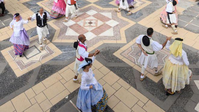 La música y los bailes folclóricos regresan al Pueblo Canario