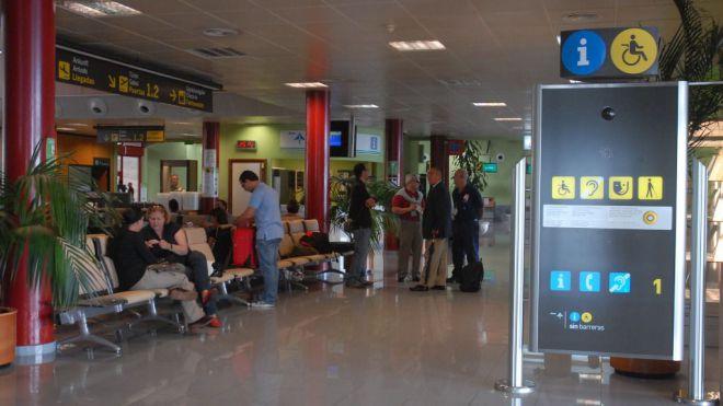 CC-PNC advierte que Canarias no va a permitir que se toque el descuento de residente