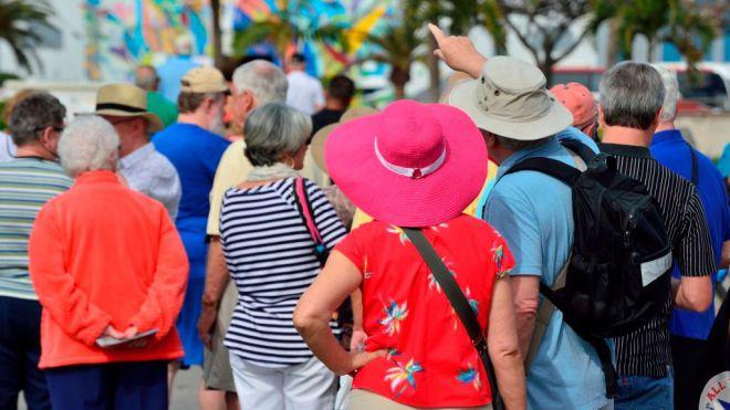 Turismo confirma con las aerolíneas la recuperación del 54% de la conectividad en agosto