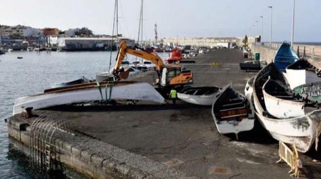 La Guardia Civil recupera 15 cuerpos sin vida a bordo del cayuco localizado el miércoles