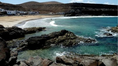 Puerto del Rosario pide una mayor responsabilidad frente al Covid-19 en las playas
