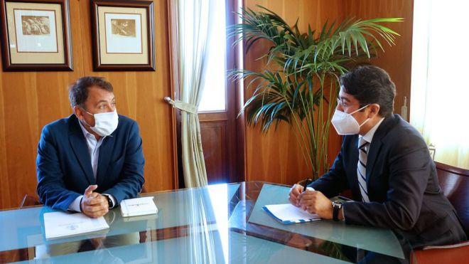 Ayuntamiento y Cabildo expresan su voluntad de impulsar la cooperación en proyectos en común