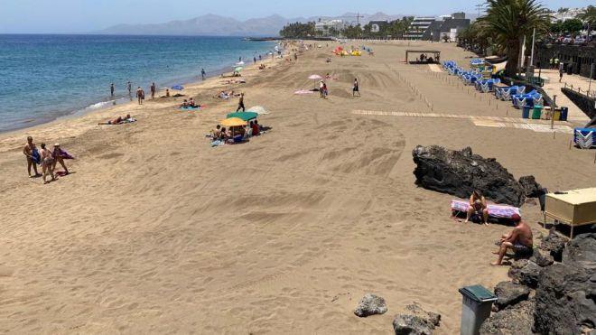 Las playas de Puerto del Carmen, las primeras en Canarias que reciben el certificado Safe Tourism