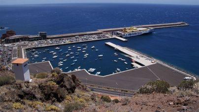 El Gobierno saca a licitación por 6 millones de euros la contratación de la línea marítima Los Cristianos-El Hierro