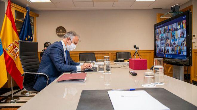 Torres solicita a Sánchez nueva financiación regional, inversión para Educación y medidas para la llegada de migrantes