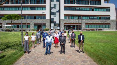 Fraga transmite a los cónsules las acciones contra la crisis y ayuda para recuperar el turismo