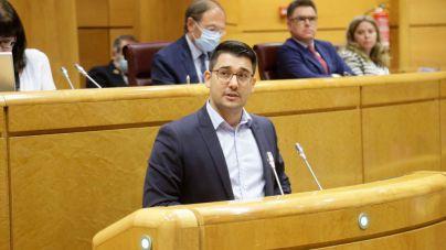 Chinea reclama en el Senado que se reactiven con urgencia los traslados de los inmigrantes a la Península