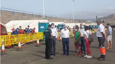 El Cabildo y Mogán piden que el Estado facilite el traslado de los migrantes al continente y mientras los acoja en instalaciones militares