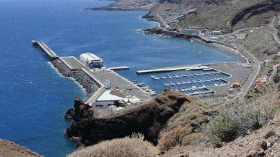 El tráfico marítimo de pasajeros entre Tenerife y El Hierro crece en el mes de julio un 16%