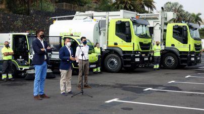 El Ayuntamiento presenta los primeros vehículos eléctricos y de gas del servicio de limpieza