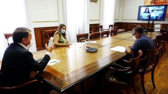 Santa Cruz comparte con Cáritas, Cruz Roja y CEAR la preocupación por la situación de las personas inmigrantes en la Isla