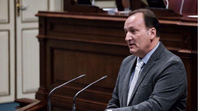 Fernández de la Puente exige acciones concretas para reactivar el comercio en Canarias