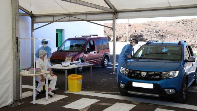 Lanzarote realiza PCF en el Covid-Auto del Recinto Ferial de Arrecife