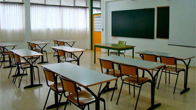 Miles de docentes sensibles a la covid-19 siguen sin protección dos meses después del inicio del curso