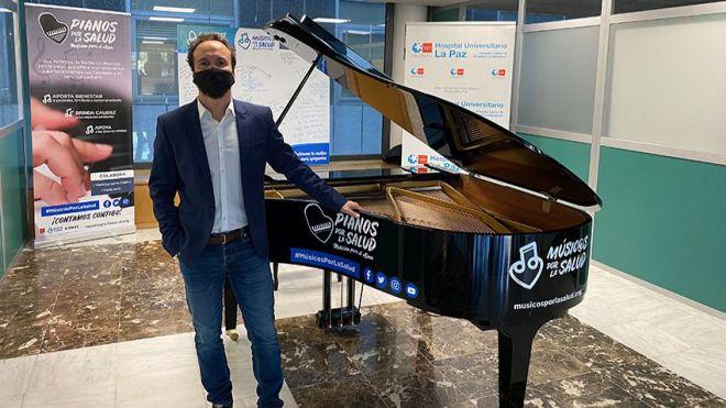 El compositor Juan Antonio Simarro da un concierto solidario, homenaje a los trabajadores del Hospital de La Paz