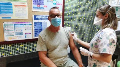 Los centros de salud vacunan a 223.575 personas en el primer mes de la campaña de la gripe