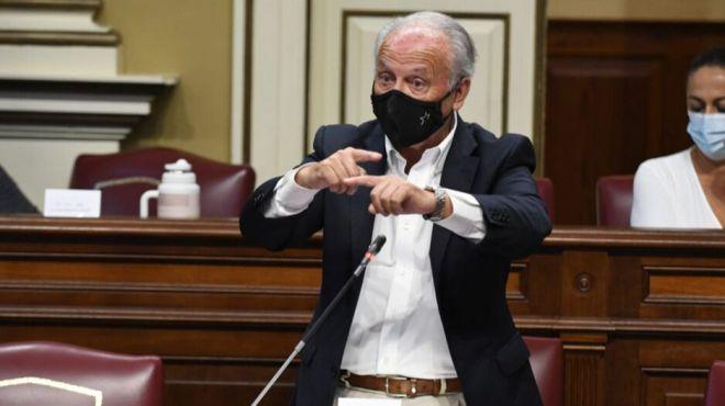 García Ramos pide al Gobierno de Torres que no practique el método del avestruz sobre las aguas canarias