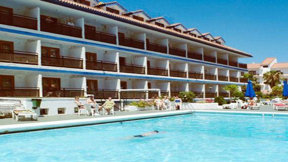 Las pernoctaciones en apartamentos se hunden un 86,5% en octubre en Canarias