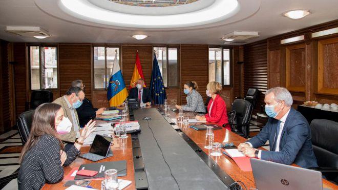 Canarias regula el control sanitario de viajeros internacionales por medio de test de antígenos